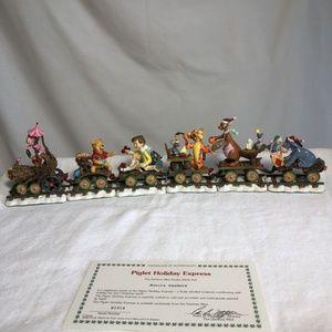 TIGGER HOLIDAY TRAIN CHRISTMAS COLLECTORS SET OF 6